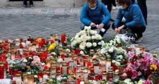 Dua lelaki yang ditangkap di Switzerland melawat penyerang Vienna pada