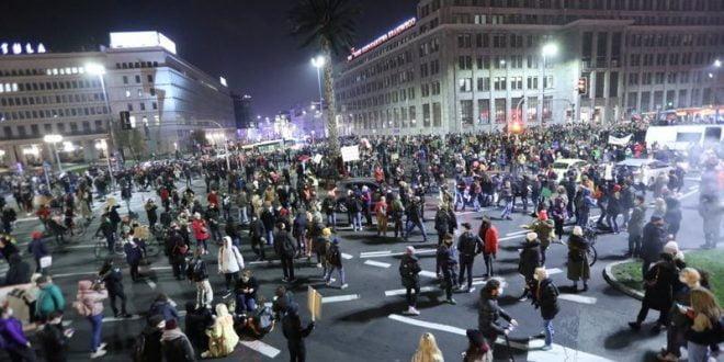 Parlimen Eropah menyatakan solidariti dengan protes pengguguran Poland