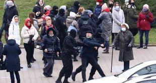 Polis Belarus menangkap hampir 150 penunjuk perasaan Dunia